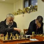 IM Josef Přibyl (vlevo), GM Pontus Carlsson